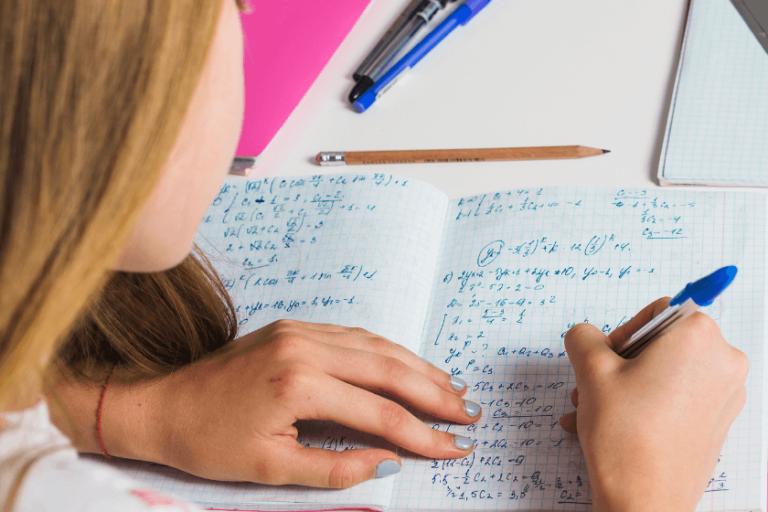 Como traducir un problema a lenguaje algebraico